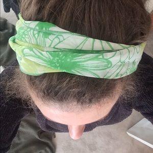 Vintage ❤️ green scarf